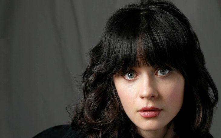 mujer ojos grandes