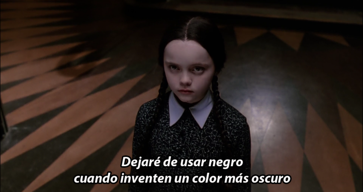 Merlina Addams color negro