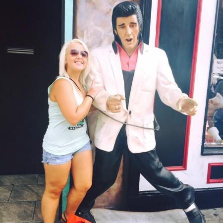 Brittaney Lynn Shane con Elvis Presley