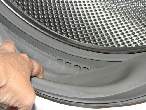 Parte interna de una lavadora limpia