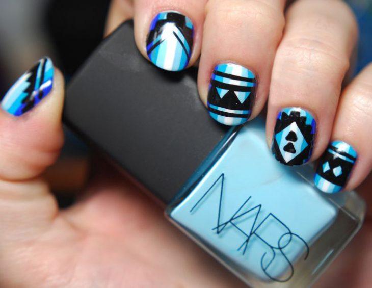 Uñas azules (15)