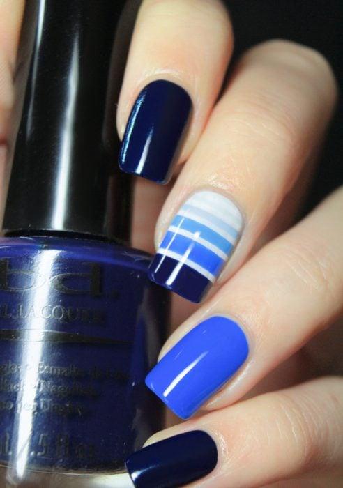 Uñas azules (19)