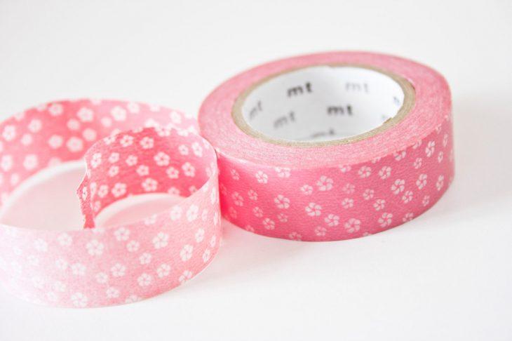 Cinta adhesiva rosa