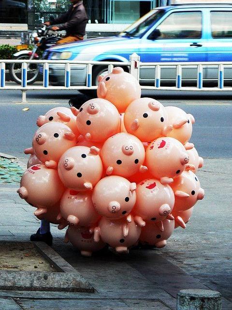 globos en forma de cerdito