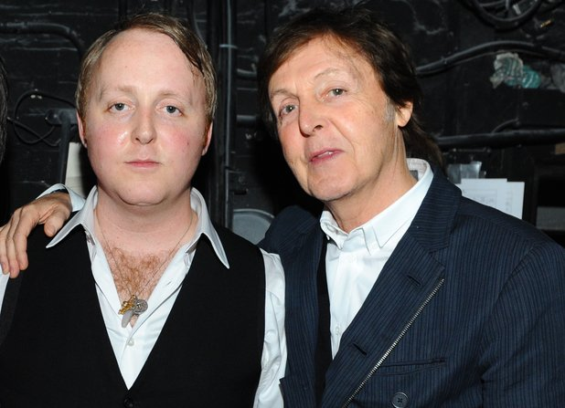 Paul y James McCartney