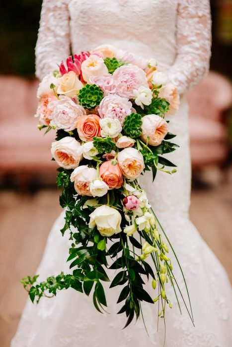 ramo de novia tonos coral