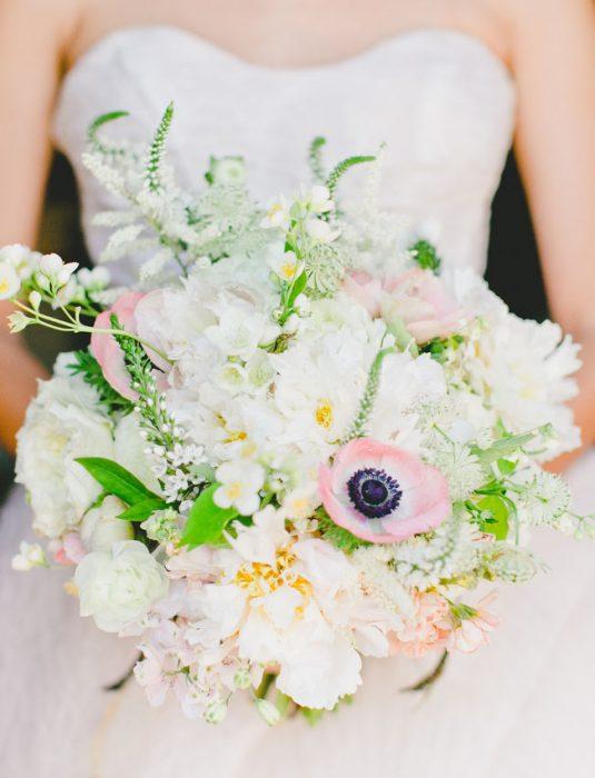 ramo de novia pequeño y blanco
