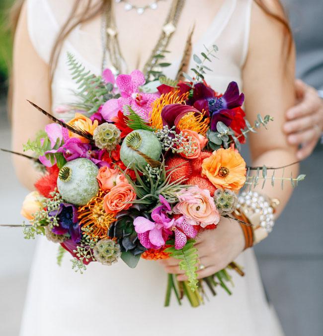 ramo de novia con flores de colores
