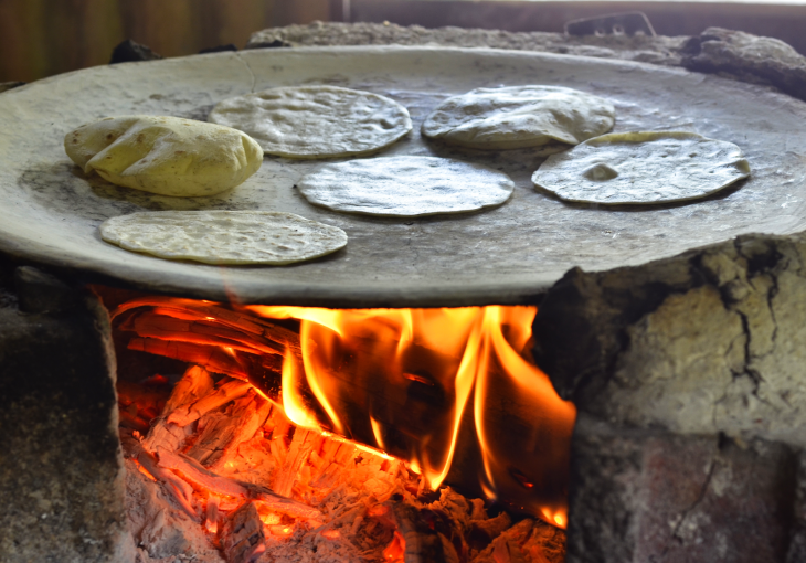 Tortillas en comal