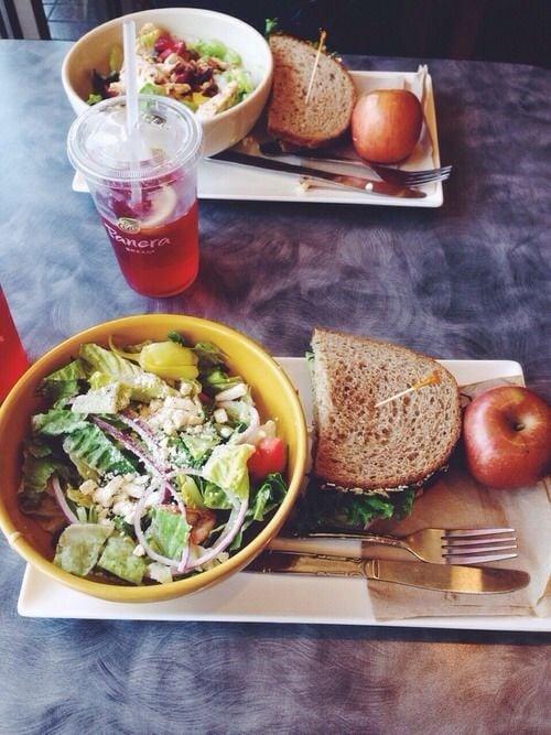 Ensalada y manzana