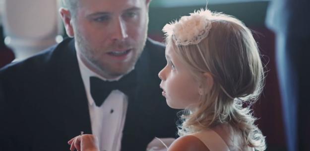 Brian scott hablando con su hija Brielle el día de su boda
