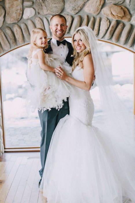 Boda de Brian Scott y su esposa Whitney junto a su hija Brielle
