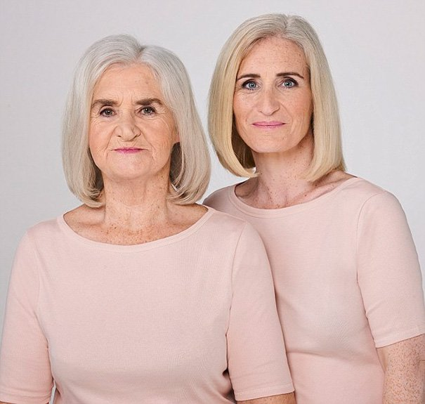 Madre e hija idénticas (8)