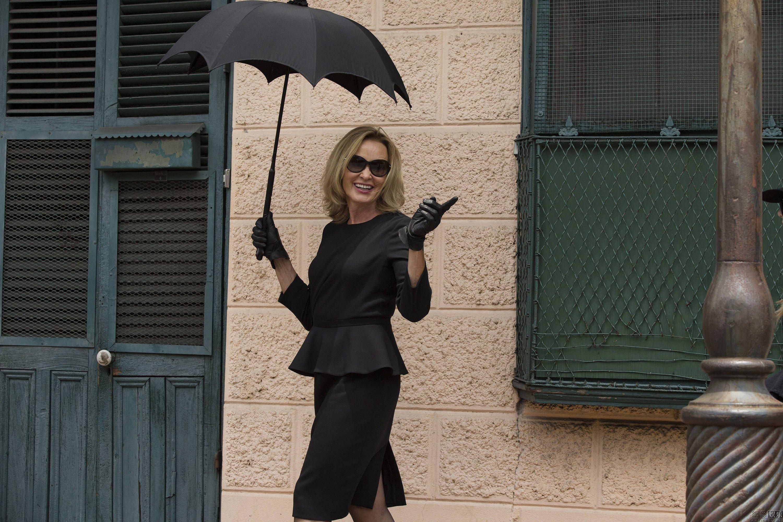 Piropos mujer vestida de negro