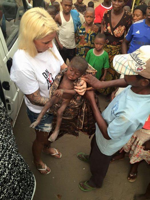 Niño es rescatado en Nigeria