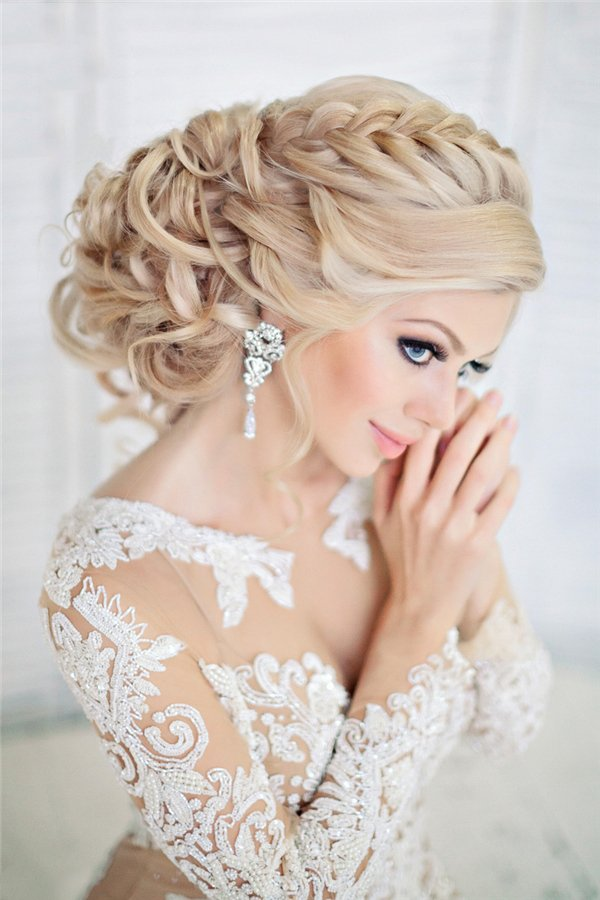 Свадебные прически 2018 на