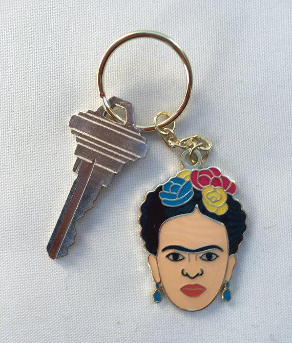 Llavero en forma de la cara de Frida Kahlo