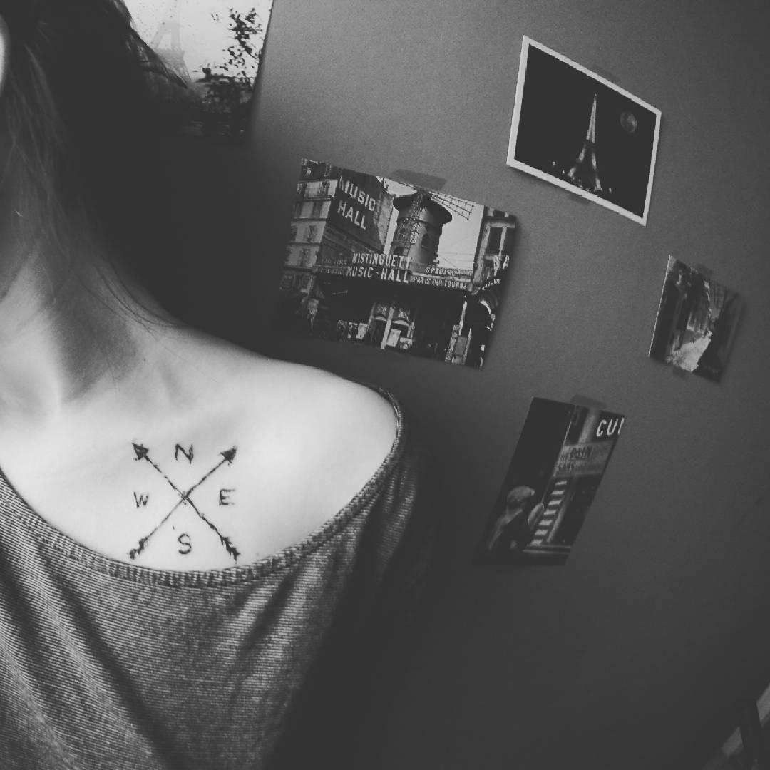 20 ideas de peque os tatuajes en las clav culas para mujeres - Tatuajes de pared ...