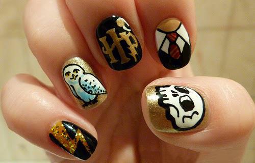 Uñas de Harry Potter con los iconos del mago