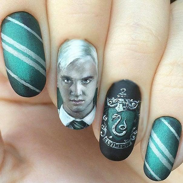 Uñas de Harry Potter con la cara de Draco Malfoy