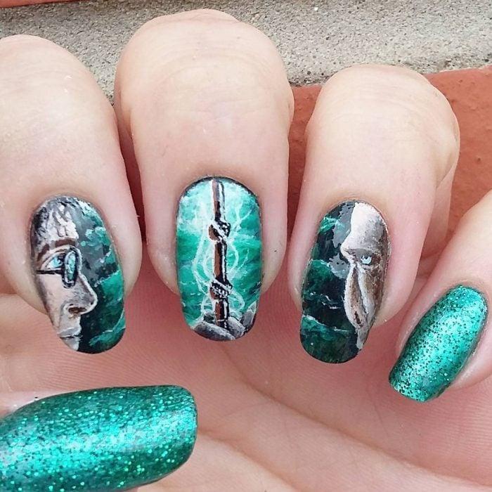 Uñas de Harry Potter pintadas como en la batalla final de Harry y Voldemort