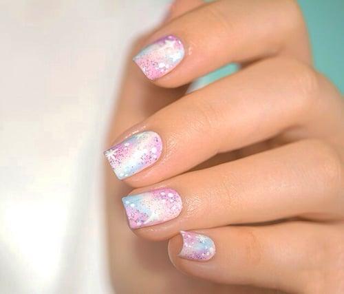 Uñas de novia en color blanco con rosa