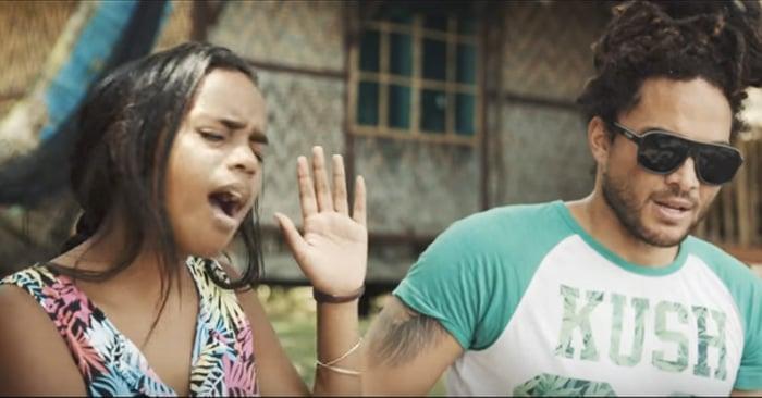 """Una chica de 14 años canta en versión reggae la canción """"Hello"""" de Adele"""