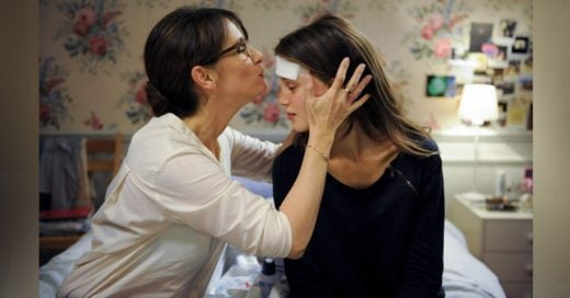 Cosas que aprendiste si fuiste criado por una madre fuerte