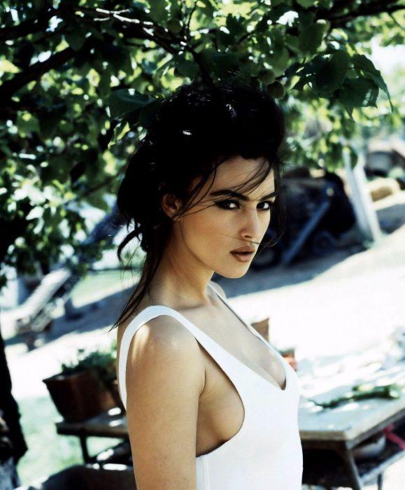 Monica Belucci italiana atractiva modelo