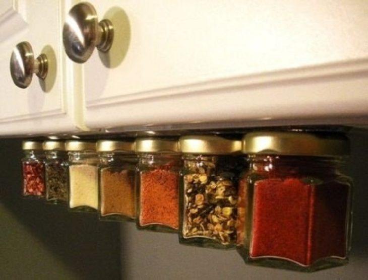 imanes en frascos para acomodar abajo de gavinetas