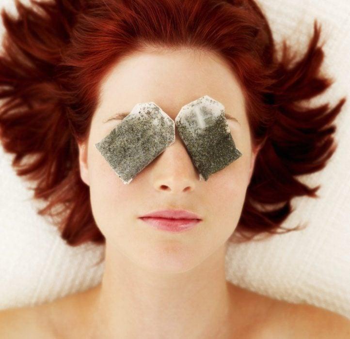 bolsas de te en los ojos para curar las ojeras