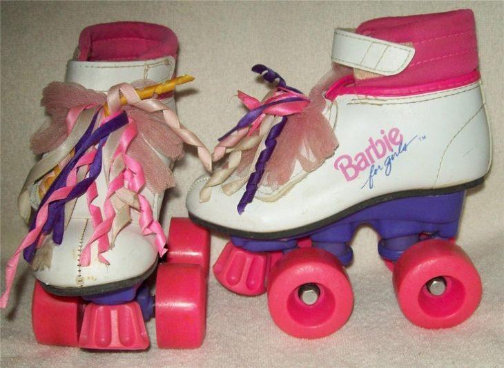 patines de barbie con agujetas rosas 90s