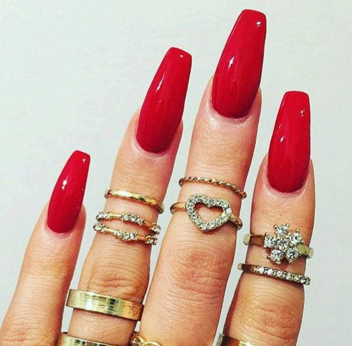 manicura uñas rojas personalidad apasionada