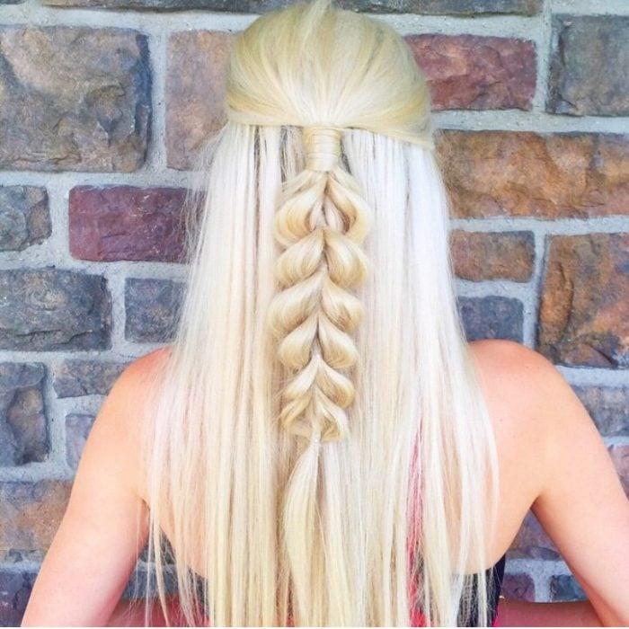 trenza cabello rubio de adentro hacia afuera media cola