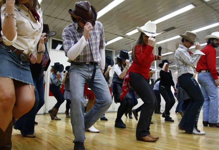 baile de caballo dorado coreografia