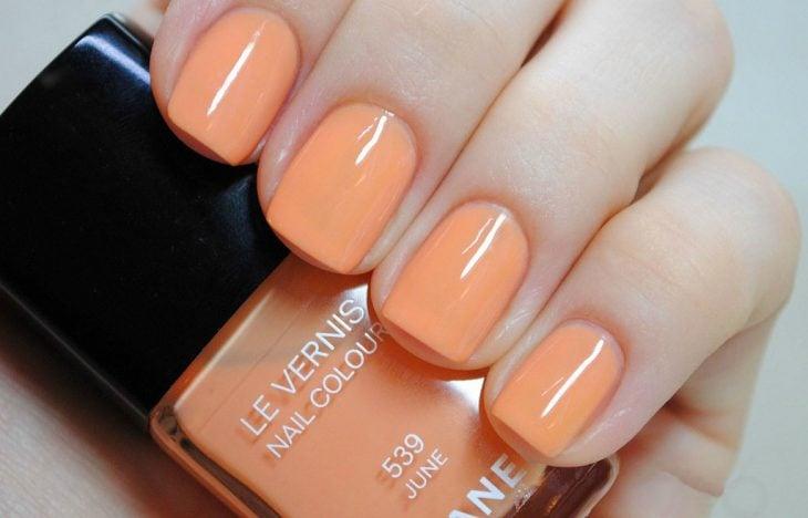 manicura color naranja uñas personalidad optimista