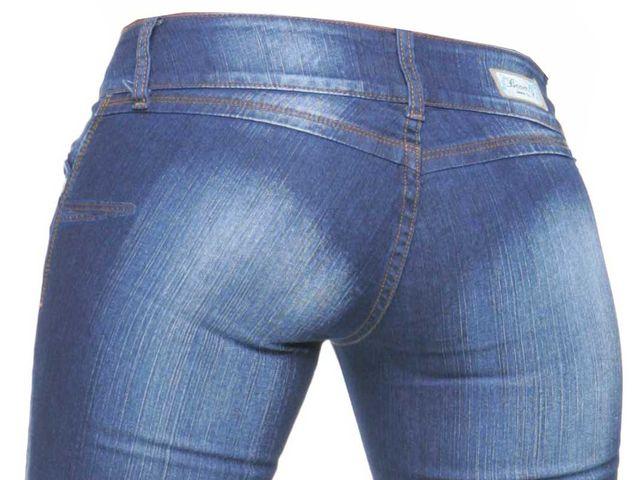 pantalón sin bolsas traseras