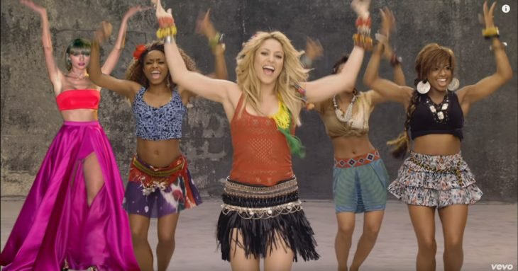 guerra photoshop taylor swift baile shakira waka waka