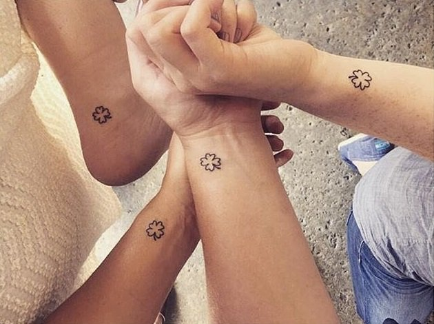 tatuajes hermanas trébol