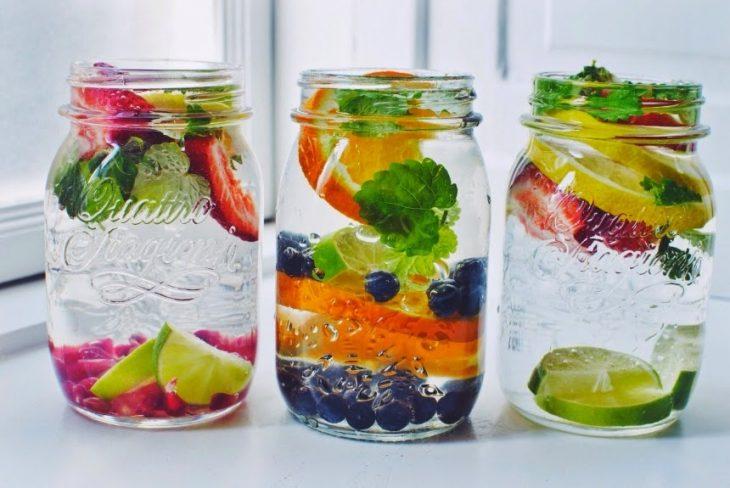 ideas para beber agua con sabores naturales frutas