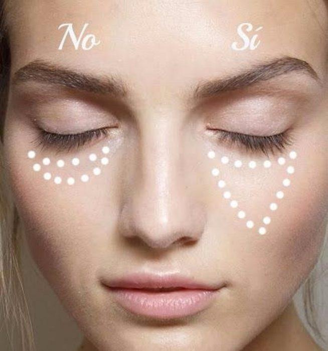 como aplicar el delineador de ojos