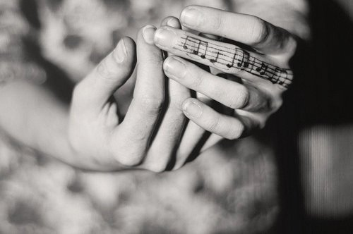 tatuaje pentagrama musical