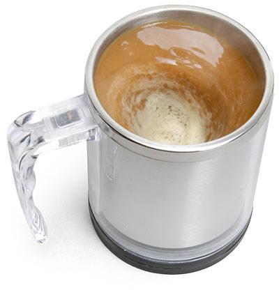 taza cafetera con motor para revolver