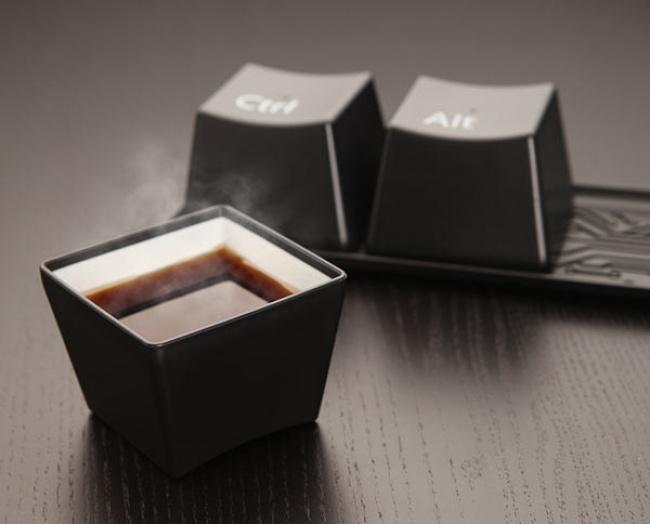 tazas cafeteras con forma de teclado de computadora