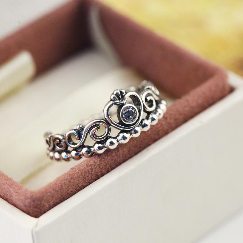 anillos de matrimonio y anillos de compromiso