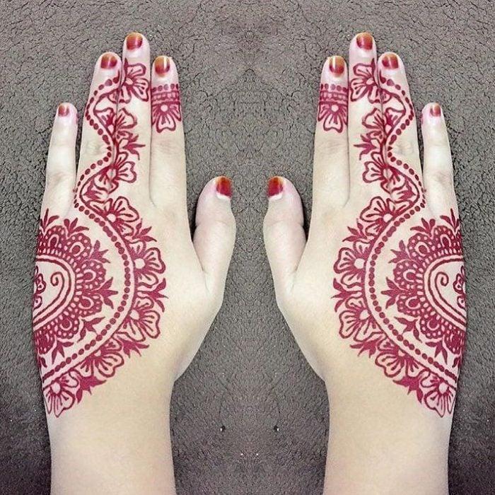 tatuaje henna rojo