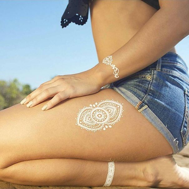 tatuaje temporal blanco