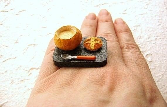 anillo en forma de pan