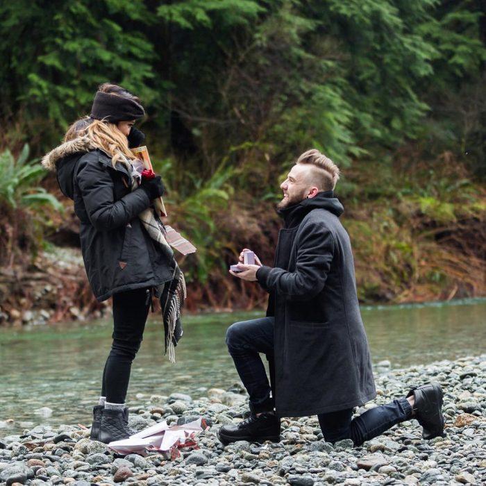 propuesta de matrimonio en el río