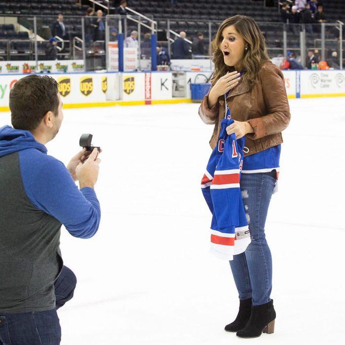 propuesta de matrimonio juego hockey